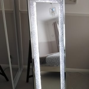LED standing mirror